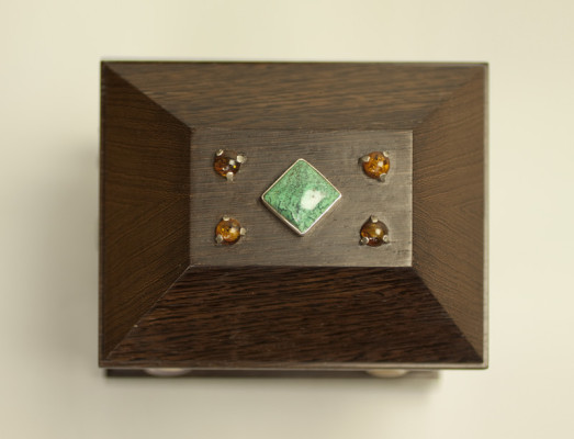 simplified reliquary top
